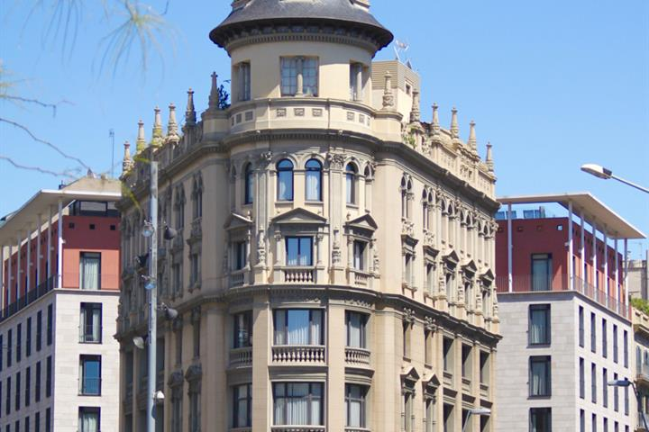 Eixample Esquerra, Barcelona's Easy-Going, Alternative Neighbourhood