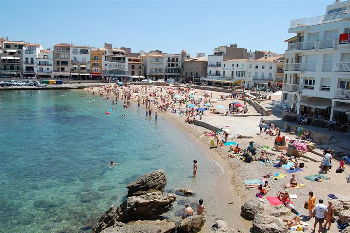 The 5 best beaches you can't miss in L'Escala