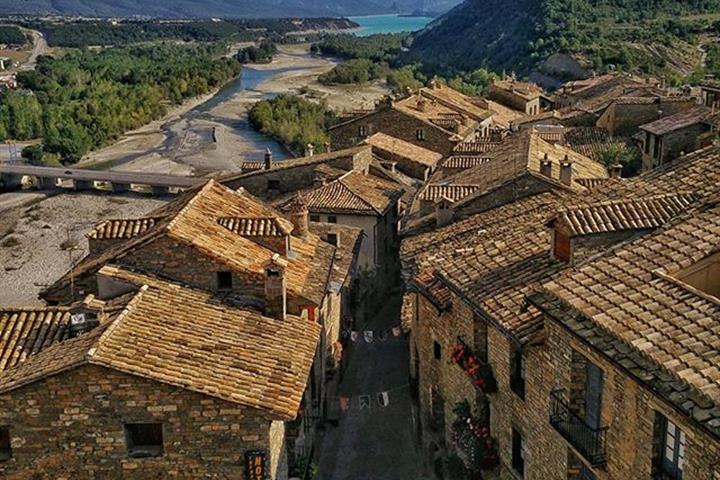 New rural property regulations in Aragon considered anti-competitive