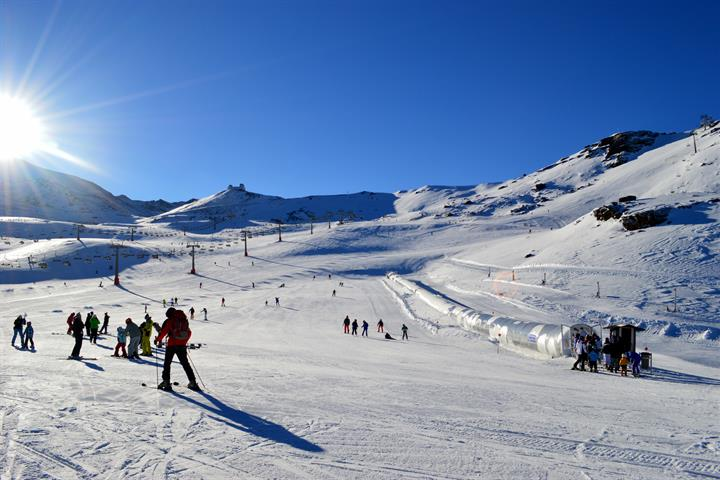 Skiing in Sierra Nevada, Granada