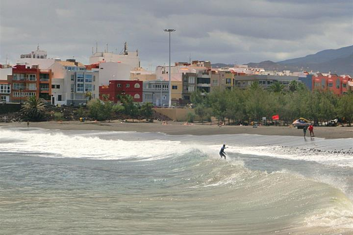 Playa de Melenara, the east-coach beach that's not only for locals
