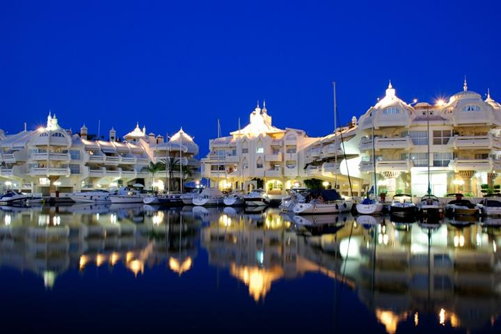 Enjoy a Night Out in Benalmádena