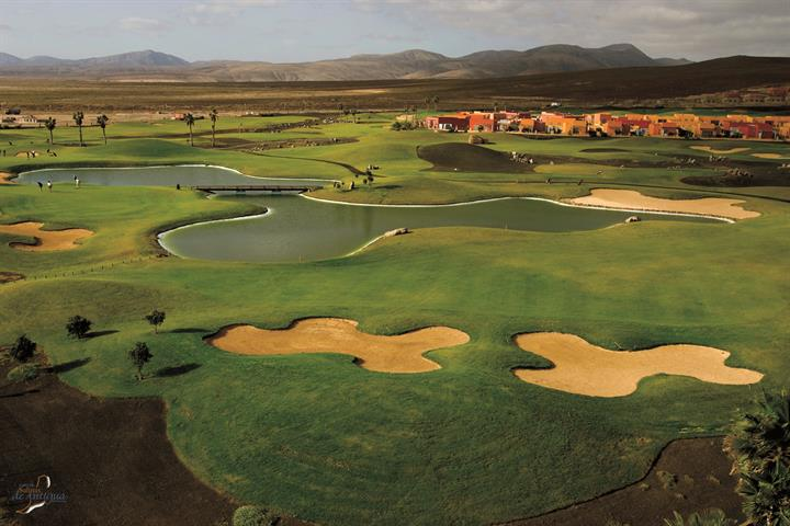 Work on that swing of yours on Fuerteventura's golf courses