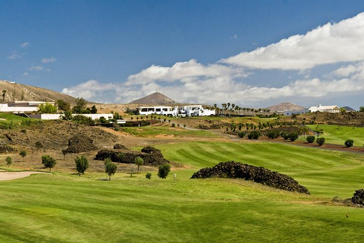 How to tee off on a Lanzarote holiday