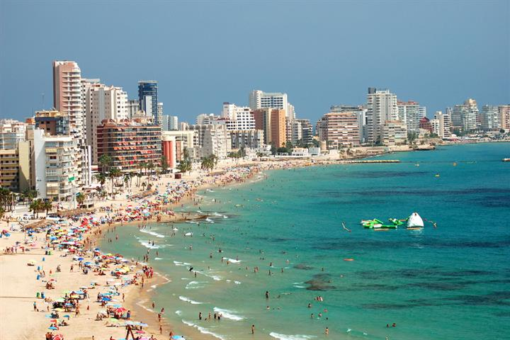 Spain set to smash tourism records in summer 2016