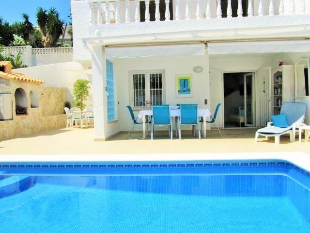 "Sunny south facing villa and private pool ""heated"" if required !"