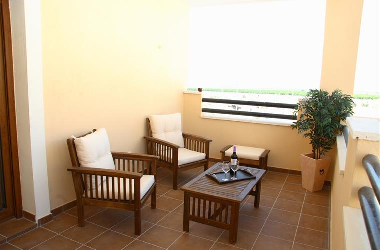 Holiday villa for rent in murcia city mosa trajectum for Terrace upstairs