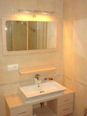 A small shower room