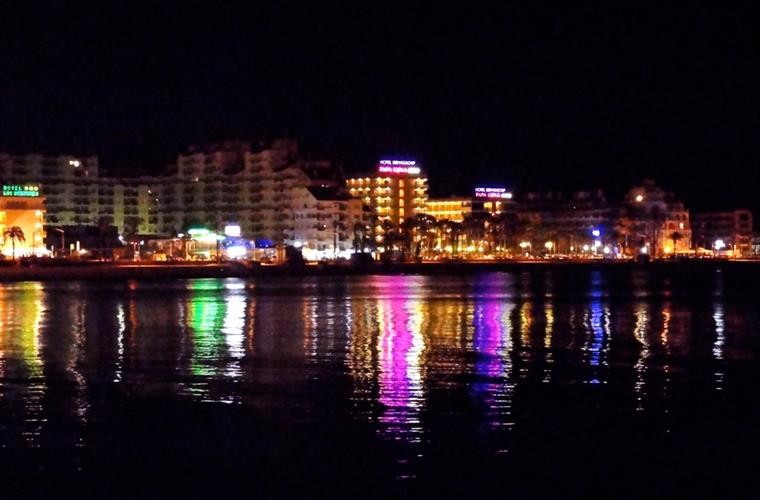 PEÑISCOLA BEACH AT NIGHT