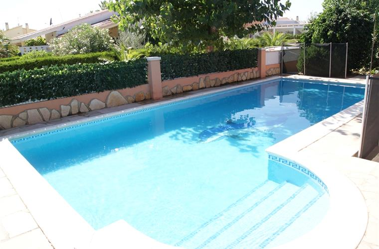 Swimming pool with option of safety fence (Norm NF)
