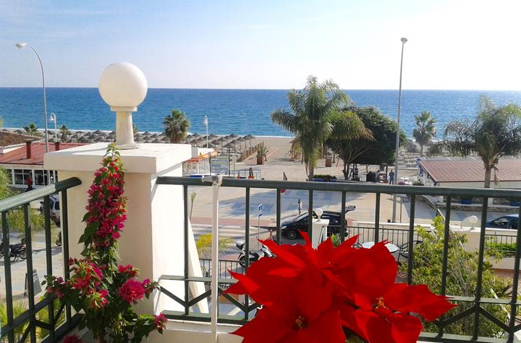 Balcony View to Burriana Beach in front