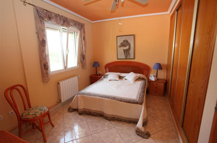 1. Bedroom upper Appartement