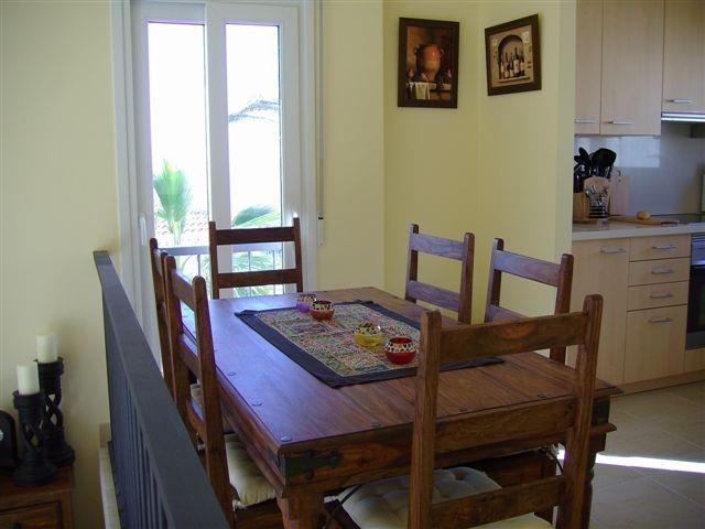 Dining table - seats 6