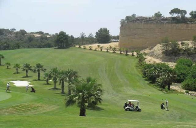 5 golf courses within 15 minutes drive