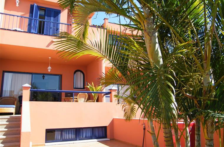 HOLIDAY HOUSE  3 4 BEDROOMS 150 sq.m. BBQ SEA VIEW HEATED POOL