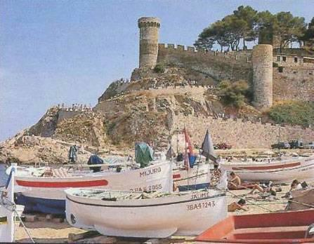 Tossa De Mar beach + castle