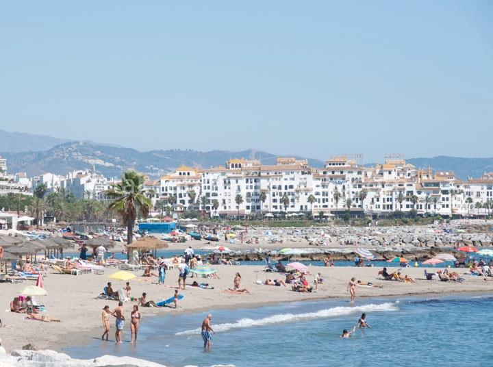 First line beach holiday Andalucia del Mar Puerto Banus Marbella