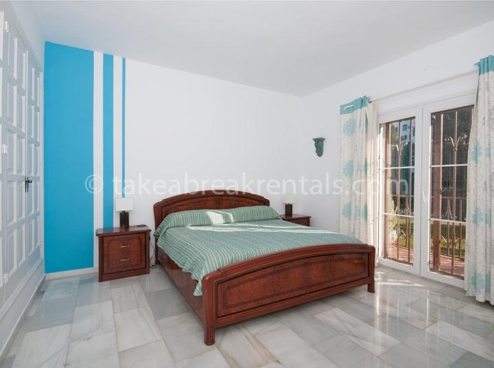 Bedroom Costa del Sol holiday apartment rentals