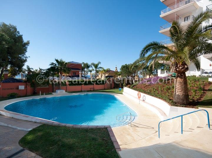 Poolside holiday apartments Spain Costa del Sol