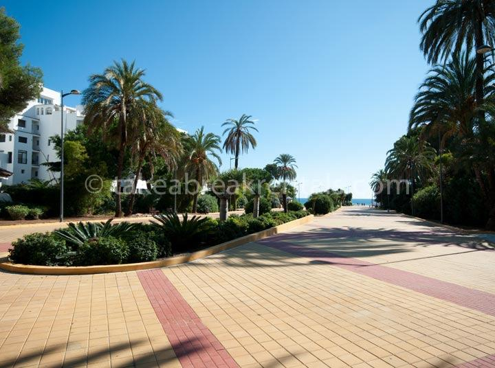 Beach promenade apartments for rent Puerto Banus