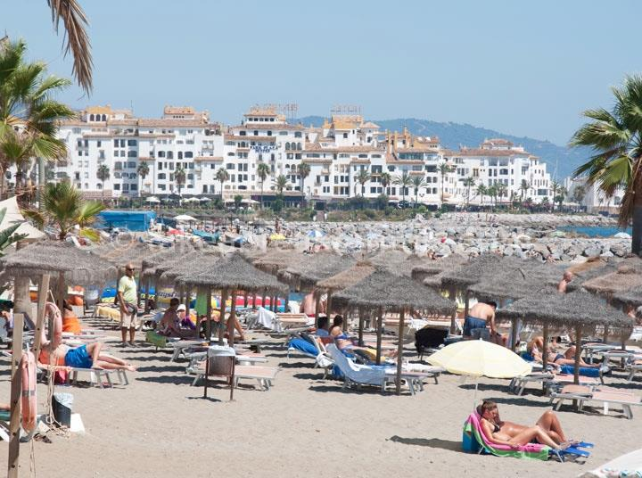 Puerto Banus beach 100m from Andalucia del Mar