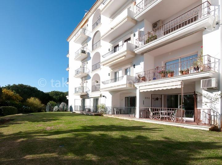Andalucia del Mar holiday apartments Puerto Banus