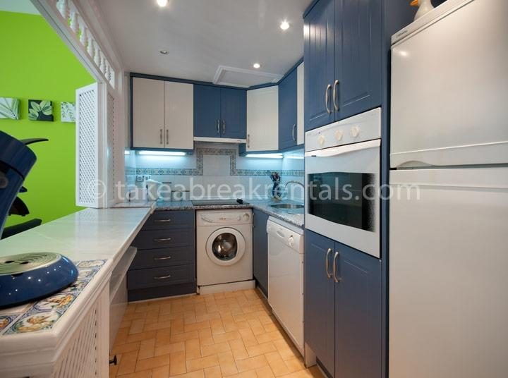Kitchen apartments to rent in Puerto Banus Spain