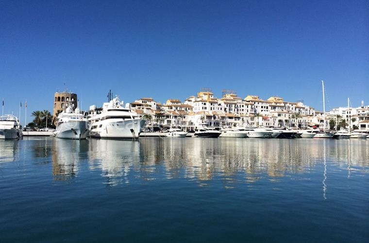 Puerto Banus harbour by family apartment rental
