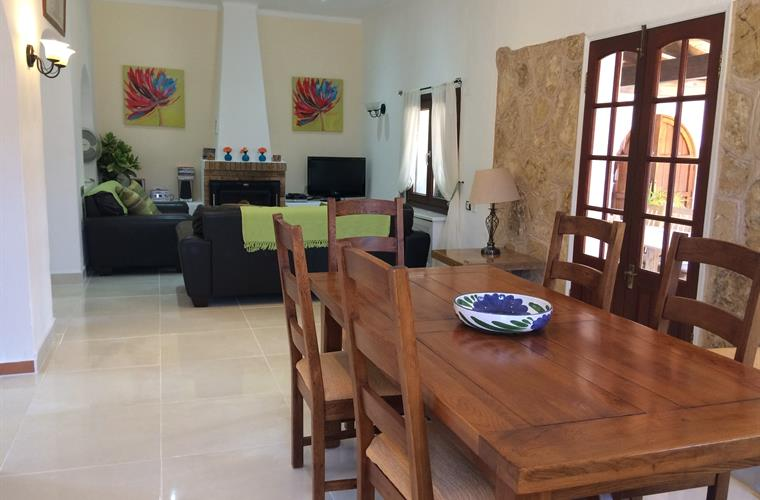 Cool & Fresh Living Area With 8 Seater Dining Table