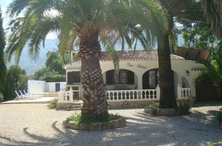 Villa in Denia front side