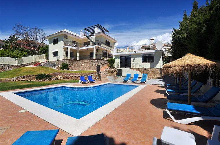 Villa Bella Vista and Lodge, Sleeps 17