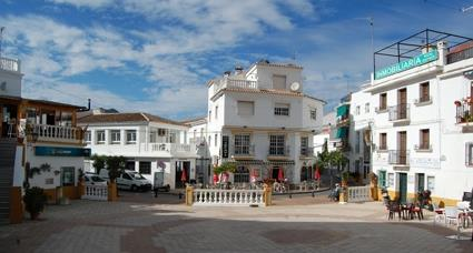 Sayalonga, main plaza.