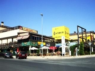 Local bars and restaurant - La Fuente