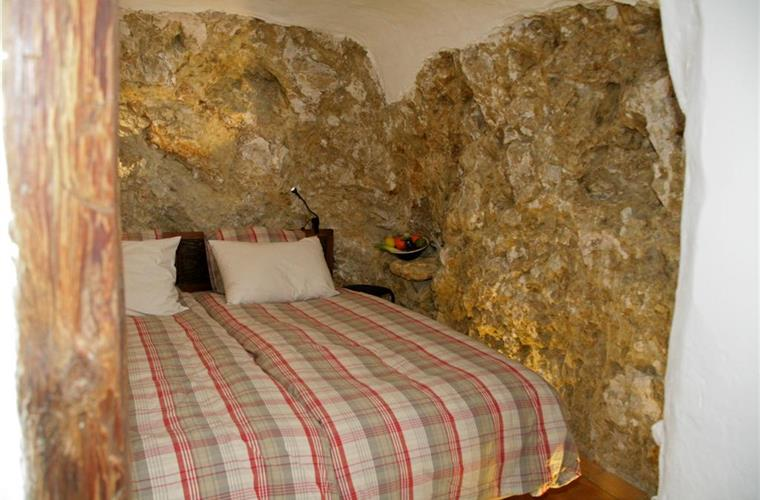 Double bed in the cave