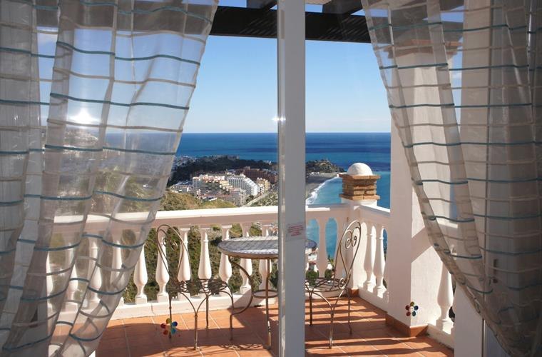 Twin Bedroom Private Terrace with Amazing Views to Almunecar