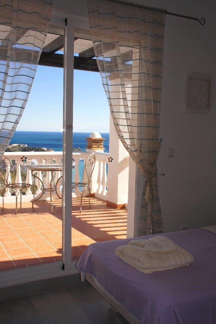Twin Bedroom With Private Terrace and Great Views