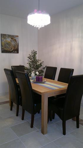 Dining table for 6 persons.