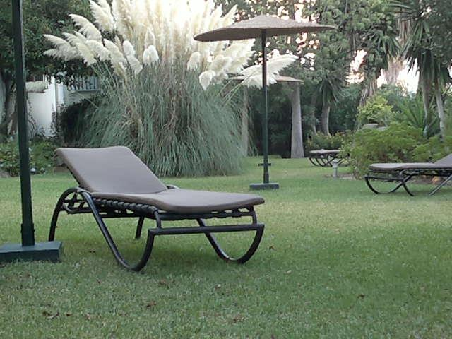 Very elegant and quiet garden to relax with a book/sleeping siesta