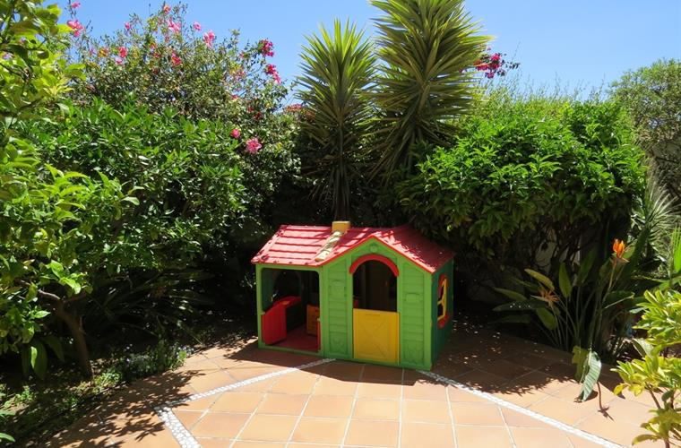 Children's play house in the garden