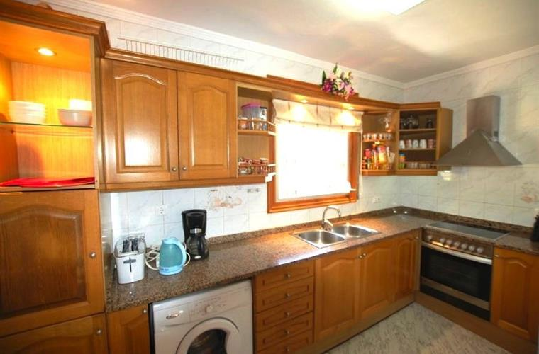 Fully equipped kitchen first floor