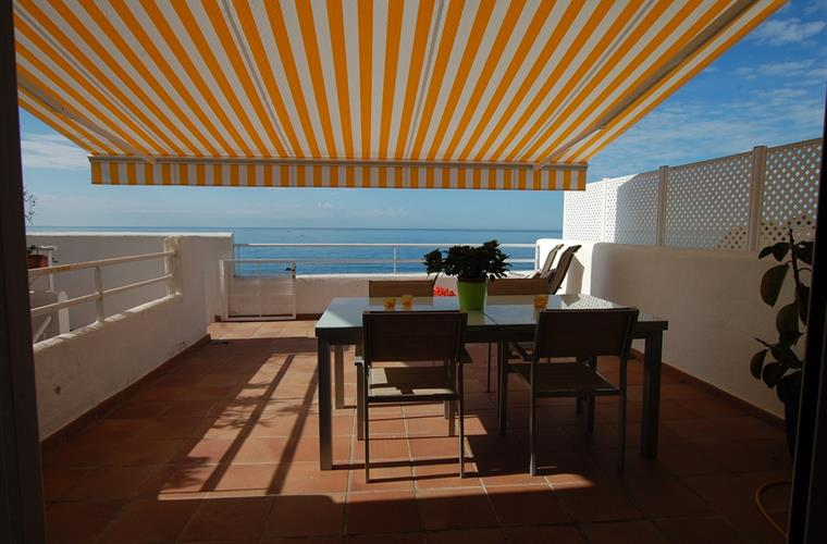 Terrace with sunshade and exterior furniture - again sea views!
