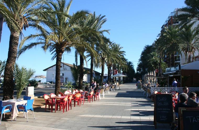 Promenade along seashore in Denia
