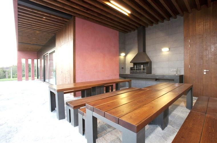 Casa Cané has a covered terrace with BBQ and outdoor kitchen