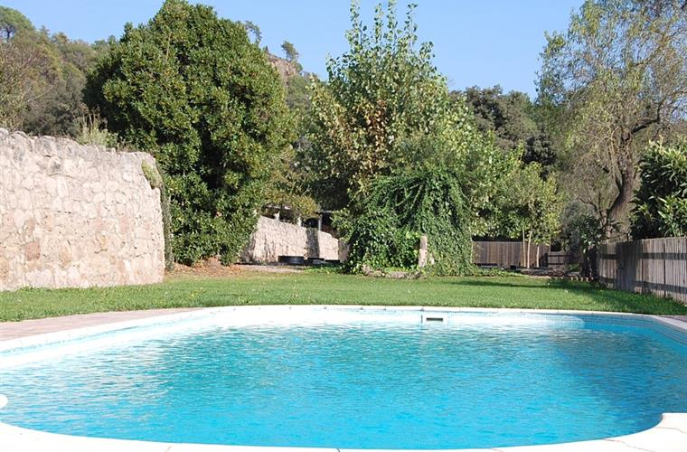 The pool is 40 m2 (8x5 m) - perfect for relaxing in the sun
