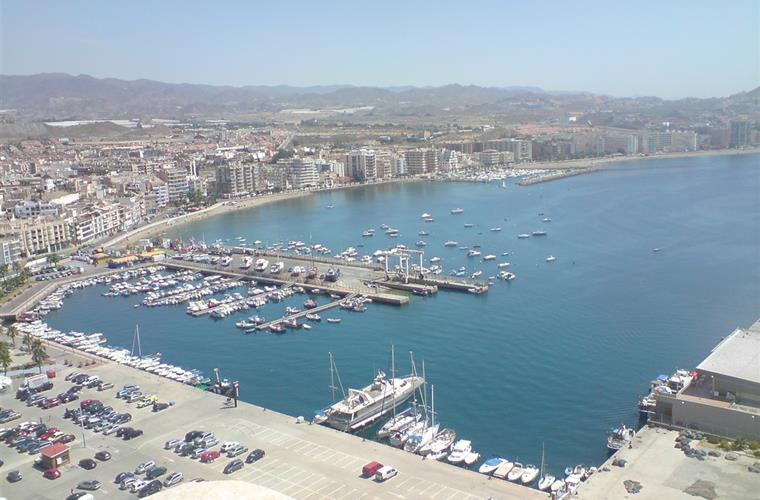 Aguilas harbor