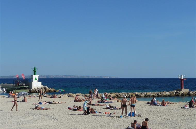 Es Caregador beach- Palmanova little harbour