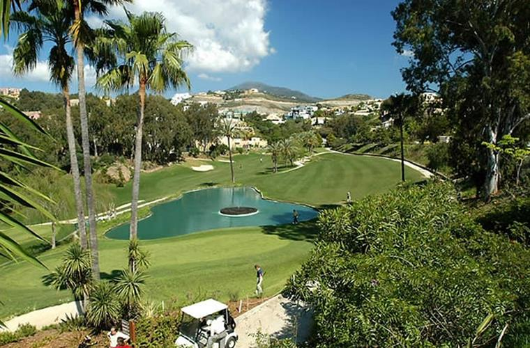 There are 53 golf courses located in Costa del Sol, many close by.