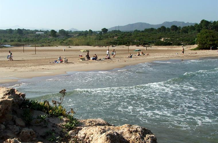 Natural, un-commercialised coastline, just 30 minutes away