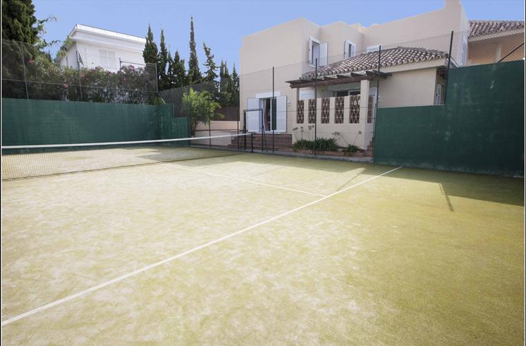 Padel-Tennis Court