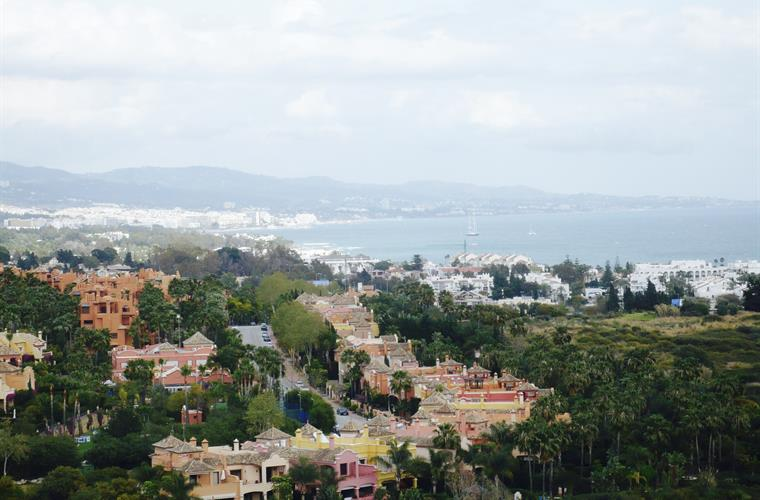 a glimpse of Marbella and the bay is 1000 meter to the beach